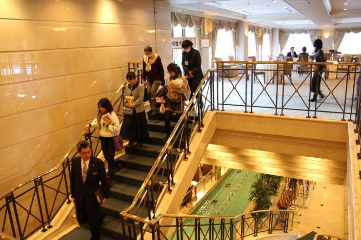 ホテル(階段)